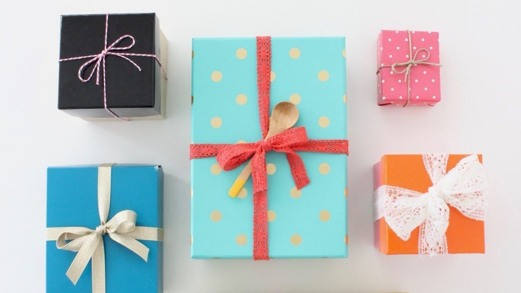 Ribbon tying ideas for gifts